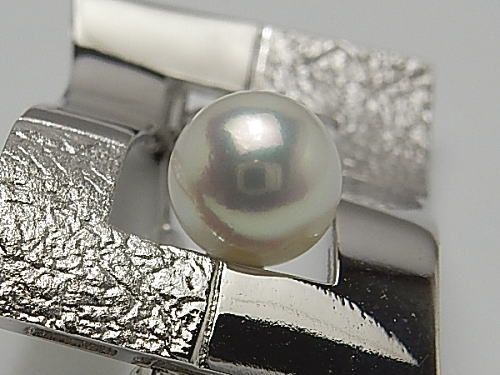画像1: アコヤ本真珠 8.3 mm  天然ピンクグリーンSILVERブローチ