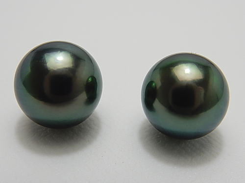 画像1: 黒蝶真珠 10.6 mm 最高品質 「ラグーン」 ブラックグリーン系 ペア珠