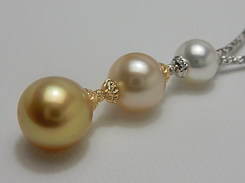 画像1: 白蝶真珠 グラデーションカラー K18&K18WG ダイヤカットキューブ ネックレス
